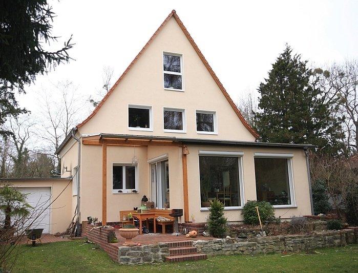 gro z giges einfamilienhaus von 1937 mit wintergarten in spitzenlage von finkenkrug. Black Bedroom Furniture Sets. Home Design Ideas